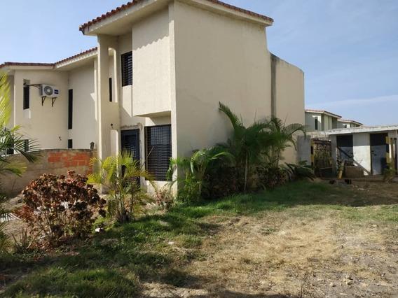 Townhouse En Ciudad Alianza; Aguamarina. Listo Para Registro