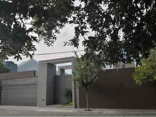 Venta De Casa Fuentes Del Valle San Pedro Garza García
