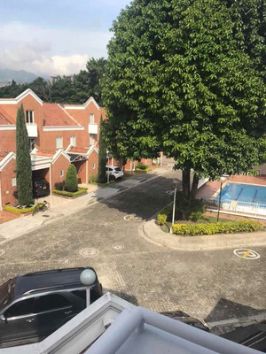 Casa Sector Belén La Mota, Medellín.