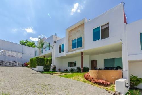 Venta Casa Privada, Col. Lomas De Atzingo, Cuernavaca Cv3076