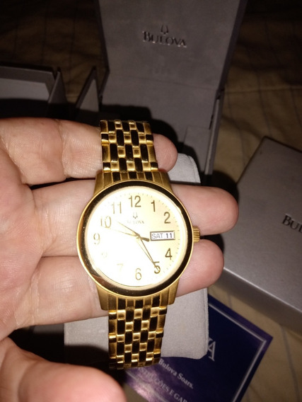 Relógio Dourado Bulova