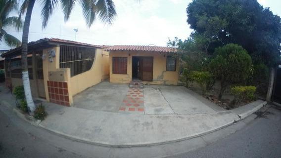 Casa En Venta Barquisimeto Norte 20-11898 Jg