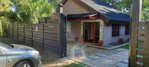 Imagen 1 de 14 de Casa 3 Doritorios Cocina 1 Baño Con  Jacuzzi Y Barbacoa