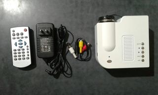Mini Proyector Led Unic Uc28