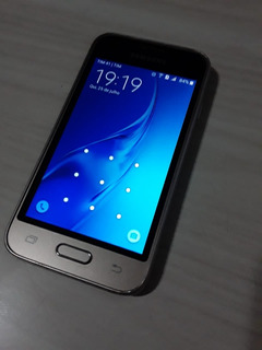 Celular Samsung Mini J1