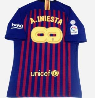 Camisa Barcelona Home 2018 - Iniesta Jogador