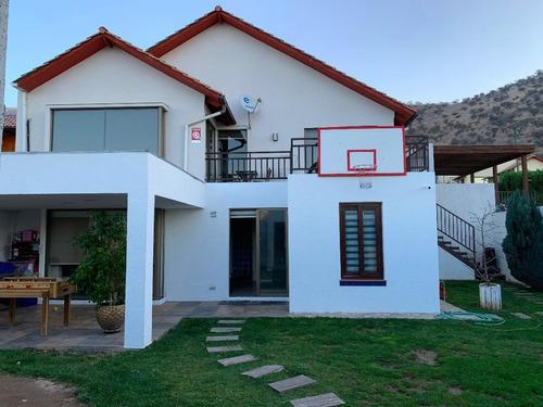Imagen 1 de 26 de Hermosa Casa En Sector Residencial Lomas De Lo Aguirre