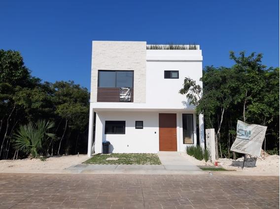 Esta Casa Es El Lugar Ideal Para Que Su Familia La Disfrute Por Muchos Años.