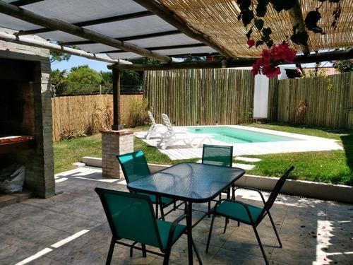 Imagen 1 de 14 de Espectacular Casa C/piscina A Mts Playa - San Fco Piriapolis
