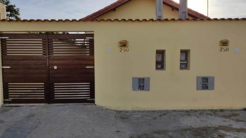 Imagem 1 de 7 de Casa Na Praia Com 2 Quartos Em Itanhaém/sp 6849-pc