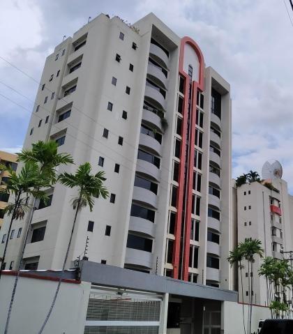 Apartamento En Venta Las Delicias Maracay 20-13276 Hcc