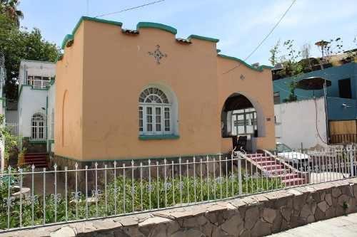 Casa En Venta En Zona Chapultepec