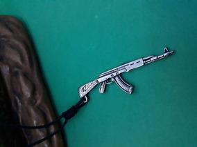 Colar Masculino Arma Cor Prata Antigo Geek