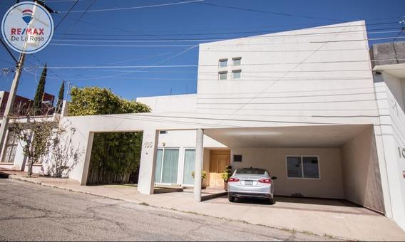 Amplitud Y Ubicación, Casa En Venta Fraccionamiento Lomas Del Parque