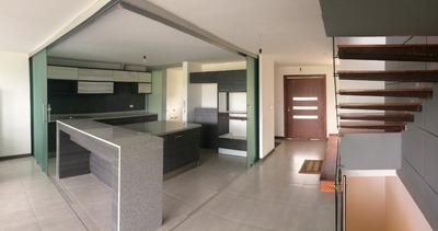 Cumbayá - Venta Última Casa Moderna 3 Dormitorios + Jardín