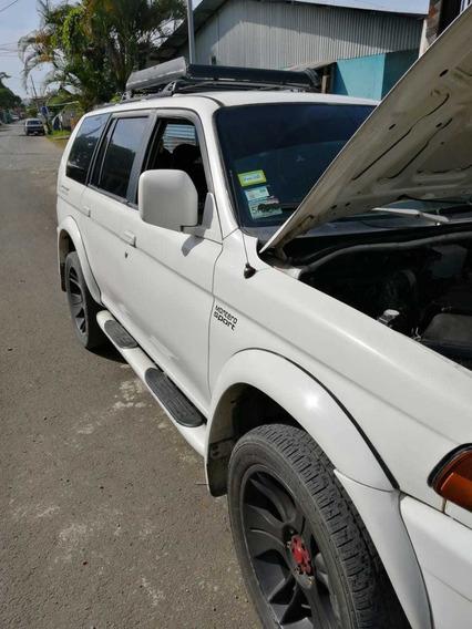 Mitsubishi Montero 4x2 Automática