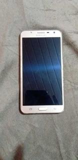 Samsung Galaxy J7 Neo (usado)