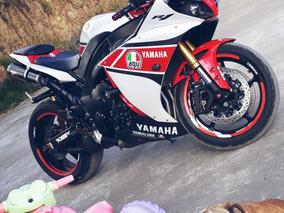 Yamaha R1 50th Aniversario Año 2012