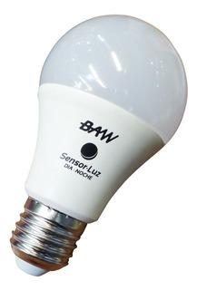 Lámpara Bulbo Led Sensor Luz Día Noche Fotocelula Baw 11w