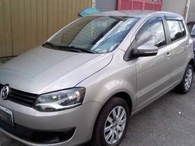 Volkswagen Fox 1.0 Trend Tec Total Flex 5p - Completo - 2014