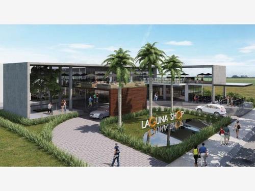 Local Comercial En Venta Plaza Comercial Laguna Shop; Ubicado En Una De Las Mejores Zonas De Colima