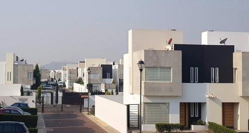 Casa En Venta De Remate Bancario En Metepec $1,960,000.00