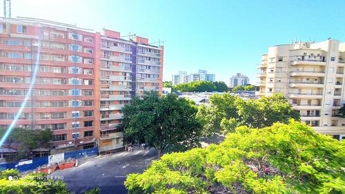 Venta Apartamento Aguada 2 Dormitorios Y Servicio Completo.