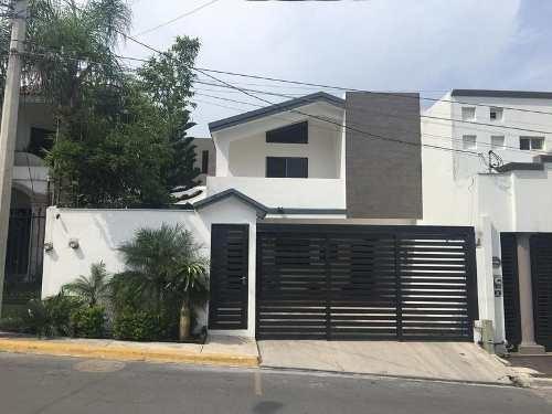 Casa En Renta Amueblada En Rincón De San Jerónimo En La Mejor Zona De