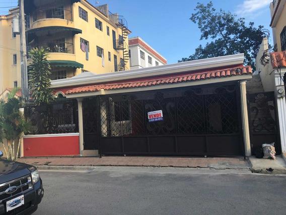Casa En Mirador Del Este 4 Habitaciones, 3 Baños, $5.5 M
