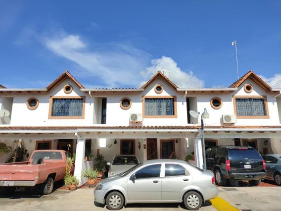 Casa De 3 Habitaciones Y 4 Baños