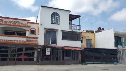 Casa Grande En Venta San Angel Ciudad Industrial 4 Recámaras