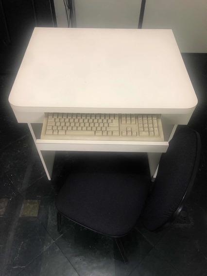 Mesa Para Computador Com Cadeira