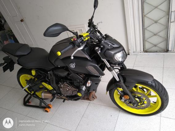 Espectacular Yamaha Mt 07