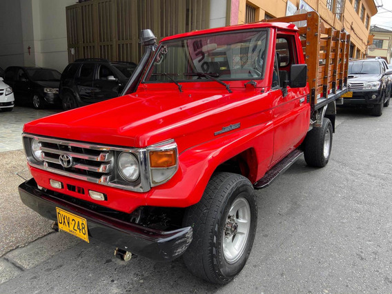Toyota Land Cruiser Estacas Original