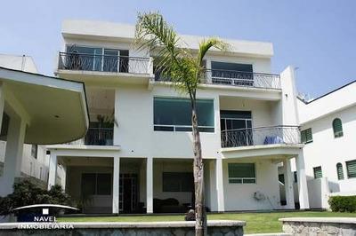 Excelente Casa Desarrollada En Tres Niveles, Cav-3228