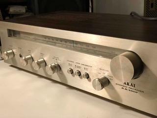 Amplificador/ Sintonizador Akai Aa 1010