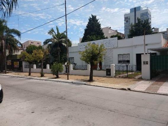 Casa En Pleno Centro A 3 Cuadras Plaza, Uso Profesional