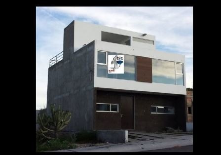 Casa En Venta . Zibata Rcv190203-lr