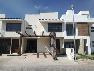 Casa Sola En Venta Fracc Residencial Terranova, Privada Con Alberca Y Casa Club.