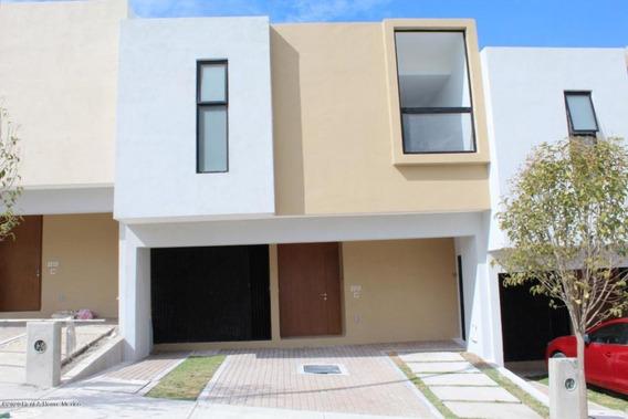 Casa En Renta En Zibata, El Marques, Rah-mx-20-1152