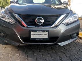 Nissan Altima 4p Advance L4/2.5 Aut Unidad Demo