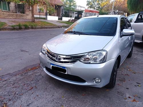 Toyota Etios Platiniun 5p