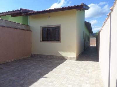 Casa Com 2 Dormitórios, Sendo 1 Suite A Venda Em Itanhaém.