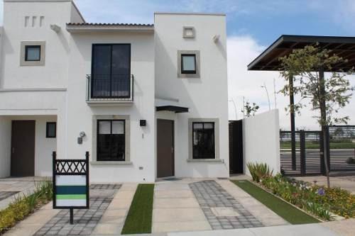Casa En Venta En Zakia, El Marques, Rah-mx-18-270