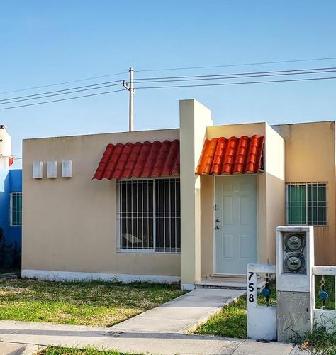 Imagen 1 de 22 de Casa En Privada De 3 Habitaciones En Renta   Caucel