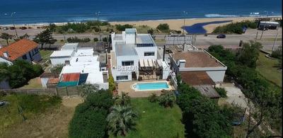 Espectacular Casa Frente Al Mar En Punta Del Este