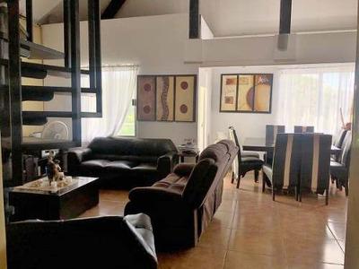 Penthouse De Diseño Unico Con Espacios Amplios De 3 Rec!!!
