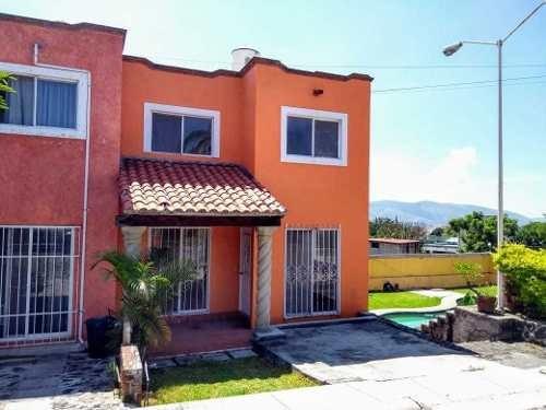 Se Vende Casa Con Alberca En Emiliano Zapata