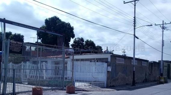 Casa En Venta Urb La Esmeralda Mls 20-9154 Jd