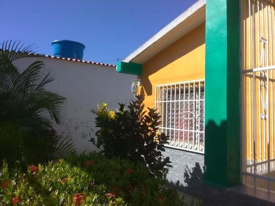 Casas En Venta Diego Ibarra Mariara Carabobo 19-19843 Prr